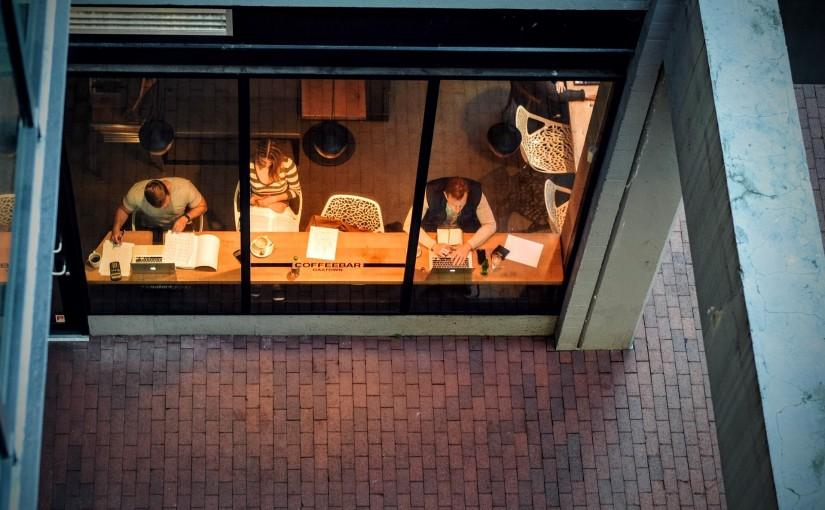 Internet und Stress auf Geschäftsreisen